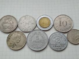 Įvairios apyvartinės monetos po 0,90€