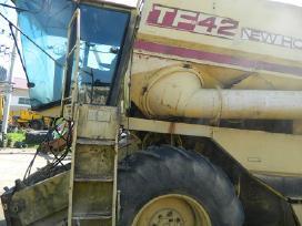Kombaino new holland tf42 atsarginės dalys