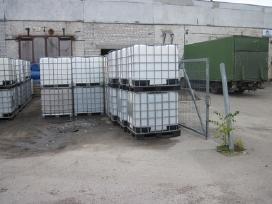 Plastikiniai konteineriai 1000 litrų talpos