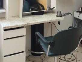 Parduodama Kirpyklinė kėdė