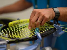 Teniso ir skvošo rakečių stygų tempimas
