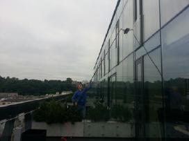 Langų ir stiklinių fasadų valymas su Ionic sistema - nuotraukos Nr. 3