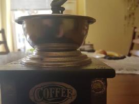 Kavos malunas, keiciu i 2 pasaulinio karo knyga