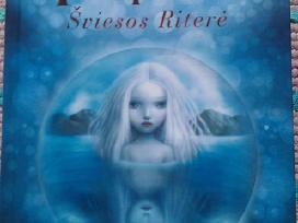 """Knygą """"Hanija, šviesos riterė""""silvana De Mari 2019"""