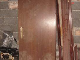 Deveti plastikiniai langai medines durys