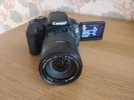Canon EOS 600d su 18-135mm objektyvu