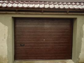 Pigūs pakeliami garažo vartai su automatika