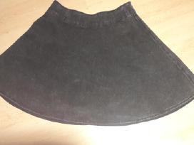 Stilingas platėjantis sijonas