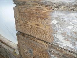 Medienos valymas, medienos sendinimas, smėliavimas
