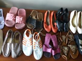 Parduodu 12 porų batų 40 d.