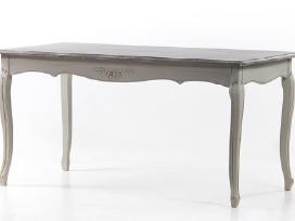 Nauji provanso stiliaus stalai