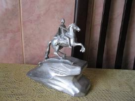 Metalo statulele.zr. foto.