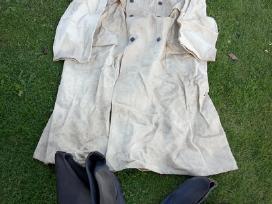 Apsiaustas brezentinis ir kerzo batai