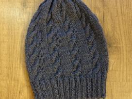 Rankų darbo kepurė