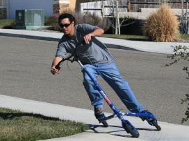 Atrakcija-triratis Trikke-nuotaikingam sportavimui