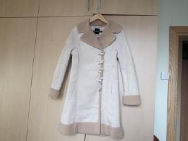 Nauji stilingi ir jaunatviški paltai