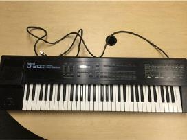 Roland Yamaha Korg
