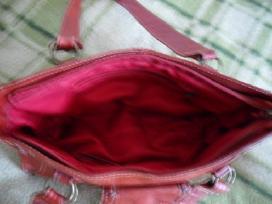 Raudona natūralios odos rankinė