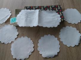 Siuvinėtų servetėlių komplektas - gera dovana