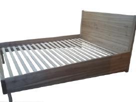 Medienos masyvo lova