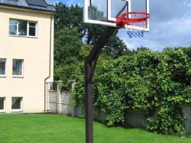 Krepšinio stovai , lentos , lankai.