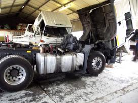 Ieškomas sunkvežimių mechanikas-autošaltkalvis