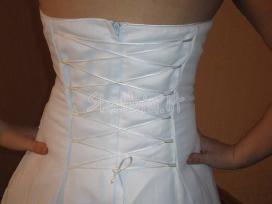Nuostabi nauja suknele - nuotraukos Nr. 6