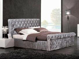 Nauja klasikinė lova su patalynės dėže