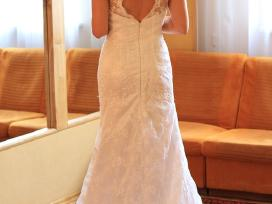 Lengvute vestuvine suknele