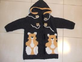 Rankų darbo megztas paltukas mergaitei