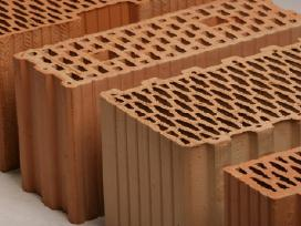 Lode keraminiai blokeliai