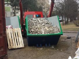 Statybinio gruzo siuksliu isvezimas konteineri
