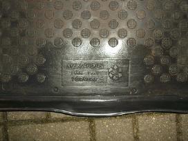 MB 124 Detales