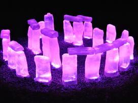 Šviečiančios trinkelės akmenys (led)