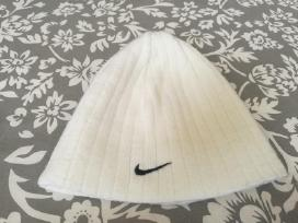 2 Baltos sportinės Nike kepurės. Unisex