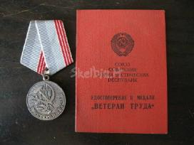 CCP medalis su dokumentu. zr. foto.