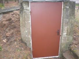 Parduodame metalines duris rūsio sandėliukams