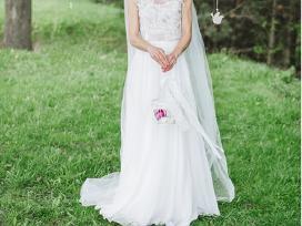 Dizainerės vestuvinė suknelė