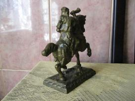 Metaline statulele..zr. foto..