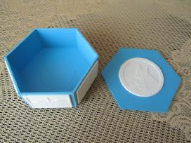 Dezute - Plastmasine Is CCP .zr. foto.