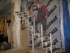 Metaliniai karkasiniai laiptai