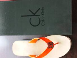Calvin Klein basutės