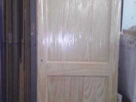 Pušinės durys Pigiai (sandėliuojamos)