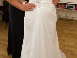 Šampano spalvos vestuvinė suknelė