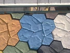 Melynas pigmentas betonui