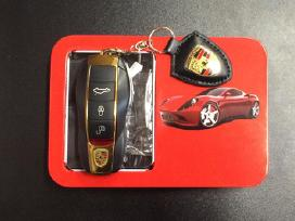 Porsche Cayenne mini telefonas, pakabukas dual sim