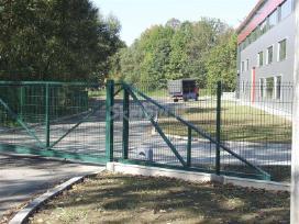Slenkantis vartai klaipėdoje