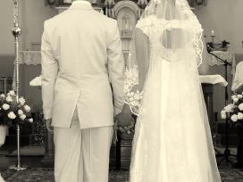 Laiminga vestuvinė suknelė