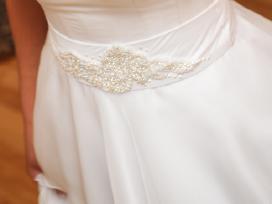 Originalaus dizaino vestuvine suknele