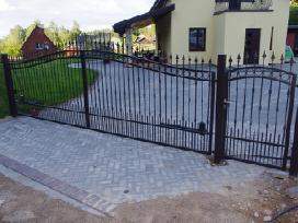Stumdomi ir atveriami vartai ,tvora ,betonavimas